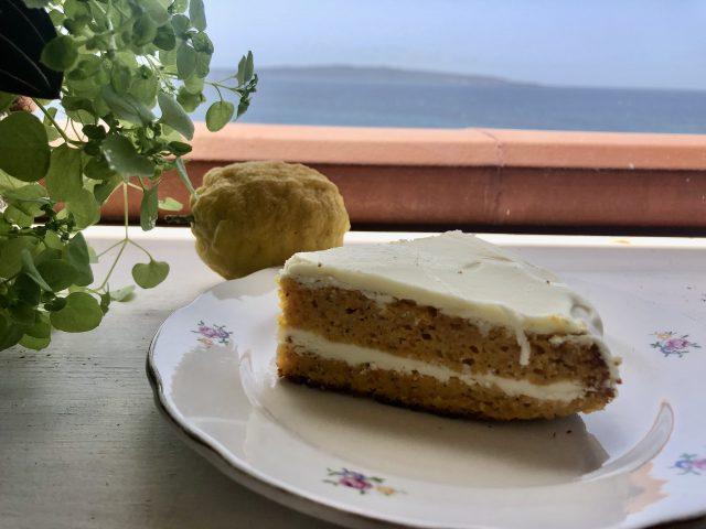 Torta di carote e cioccolato bianco - Le Plume  - Le Plume