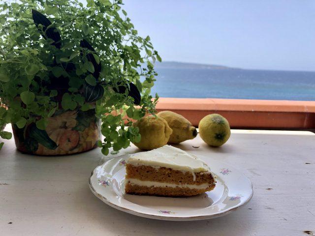 torta di carote e cioccolato bianco - Le Plume