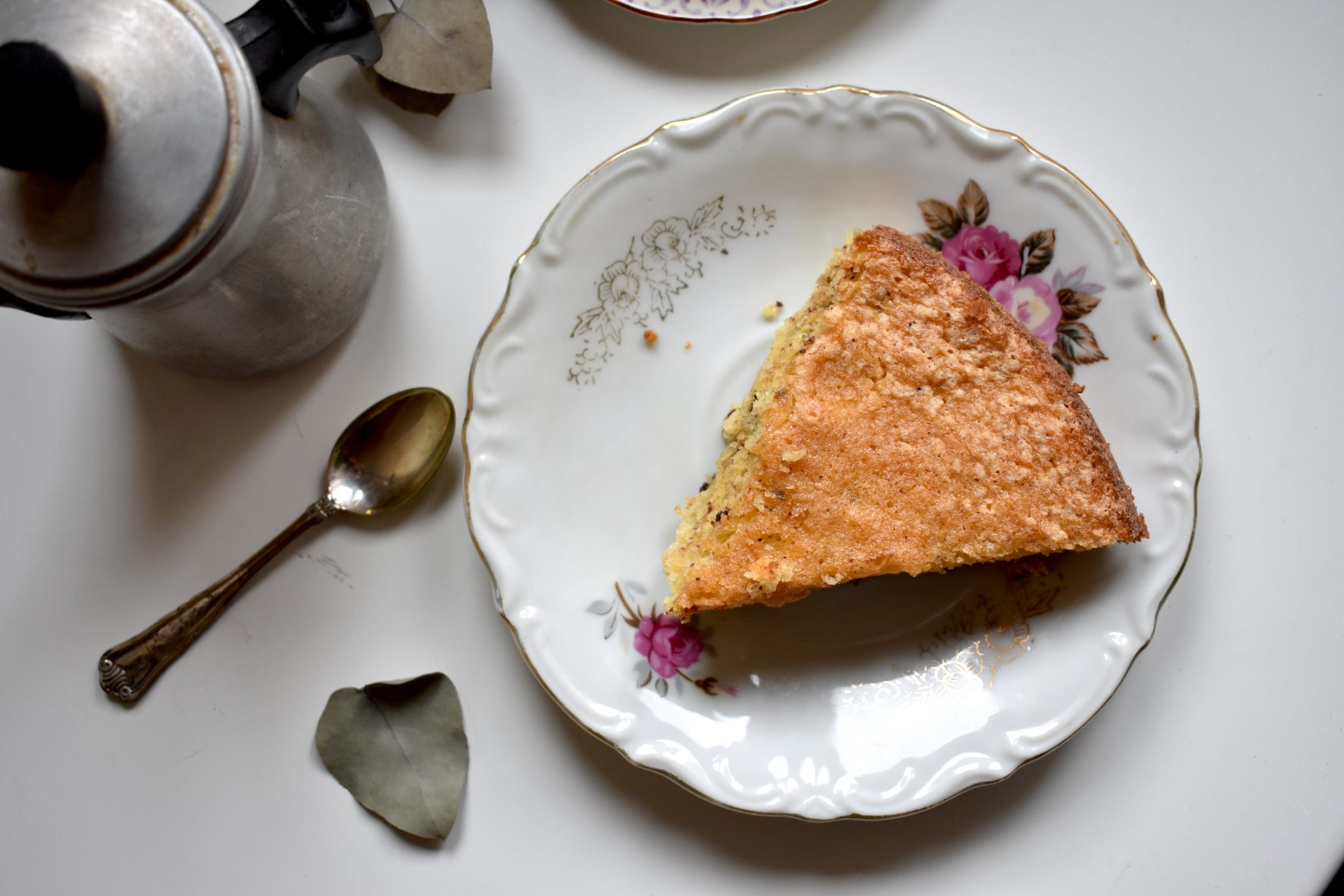 Coccole a colazione: torta di nocciole e mandorle - Le Plume